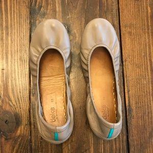 Tieks Taupe Size 11 Leather Foldable  Ballet Flats